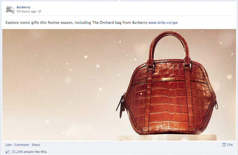 Burberry Facebook - Handbag with snow
