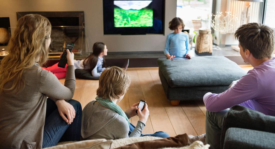 The Multi-Screen. Multi-Device Living Room