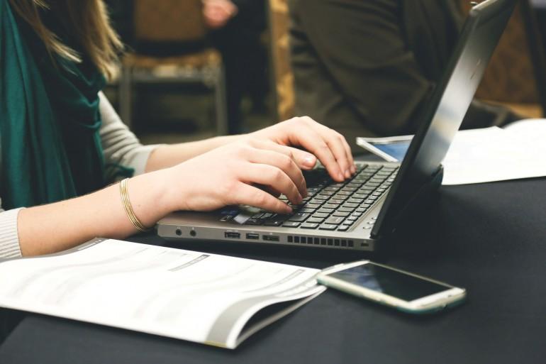 Blogger-typing